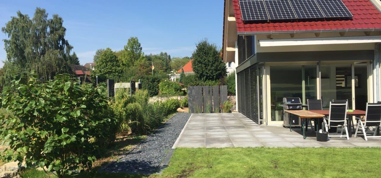 Ob Terrasse, Sichtschutz oder Gartenmauer - gestalten Sie Ihren Außenbereich mit Naturstein