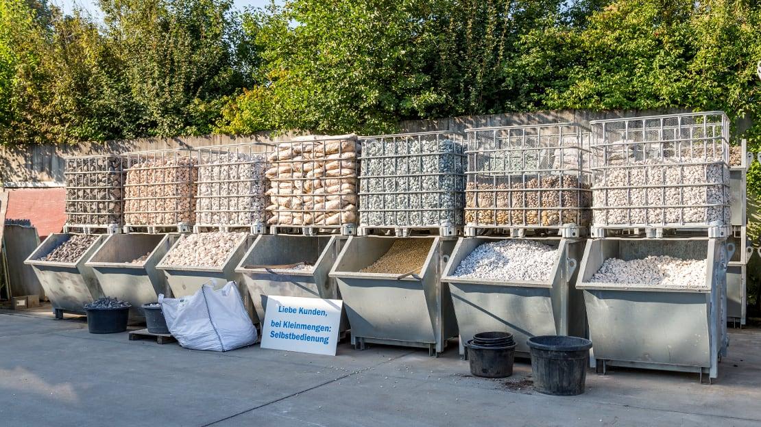 Wir bieten Ihnen eine große Auswahl an Kieselsteinen aus unterschiedlichen Materialien