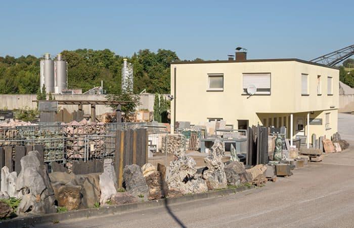 Eine große Auswahl an Natursteinen finden Sie bei uns vor Ort in Remseck